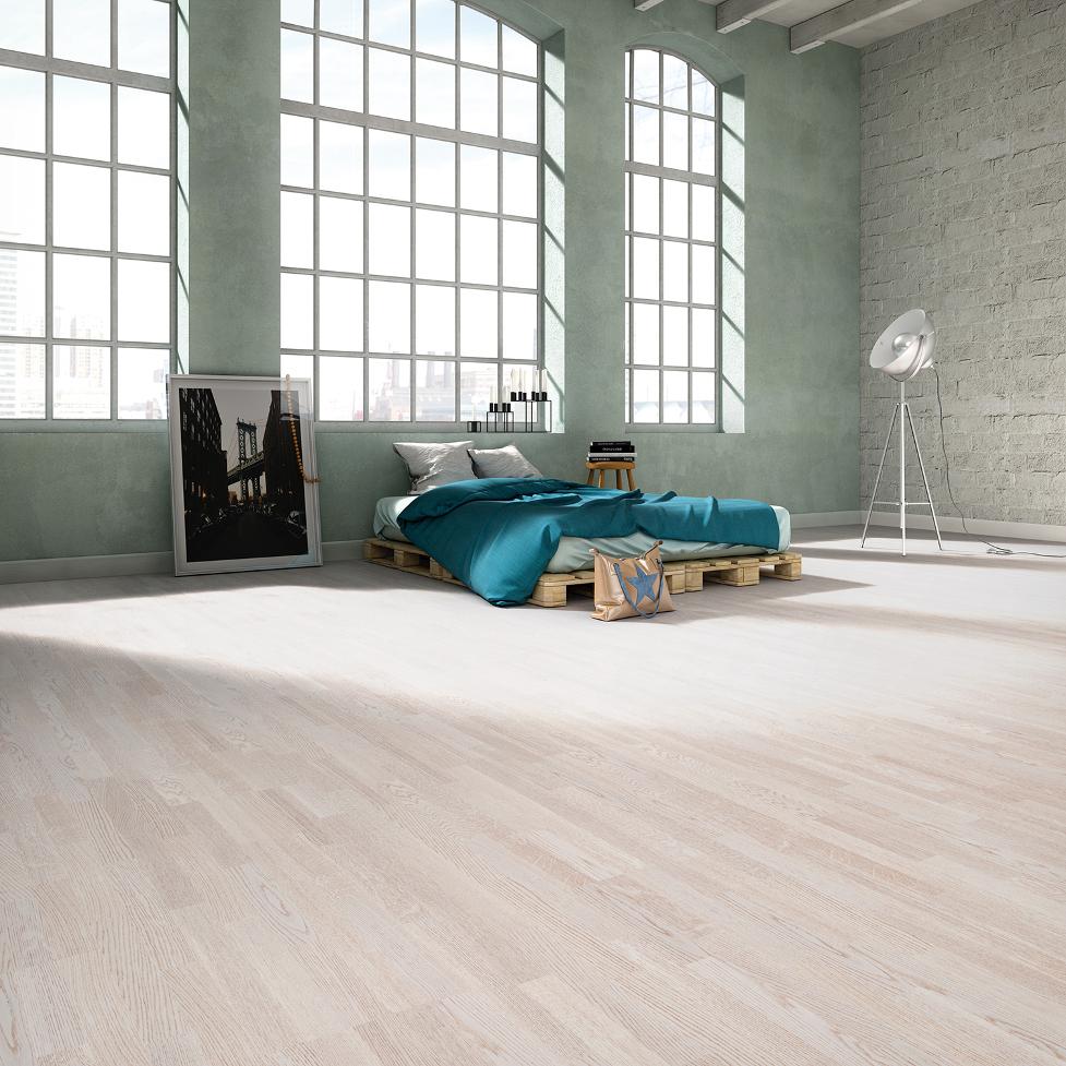 Podłoga drewniana szczotkowana jasna